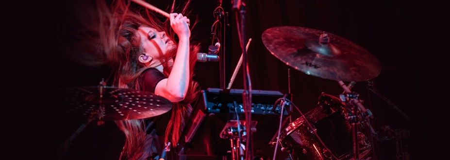 The Pearl Harts to support Louise Distras